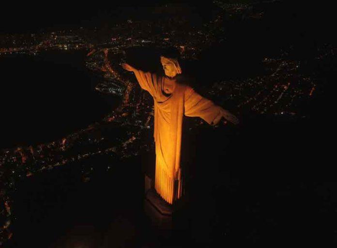 Qualicorp ilumina o Cristo Redentor em ação de conscientização ao Setembro Amarelo