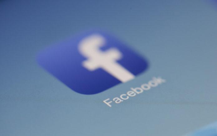 Facebook anuncia acordo para pagar empresas jornalísticas britânicas por conteúdo